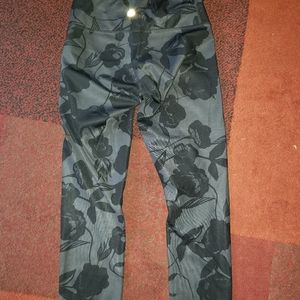 NWOT Lululemon reversible leggings